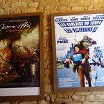Affiches de films, tournés au château placardées à l'entrée