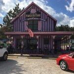 Foto di Bobkat's Purple Pie Place