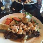 Photo de Patrinos Steak House & Lounge