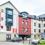 Euro Hostel Edinburgh Halls Front Entrance