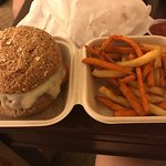 Photo of Pearl's Deluxe Burgers