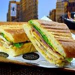 Фотография Journeys Sandwich Cafe