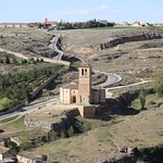 Vistas de la Iglesia de la Vera Cruz desde el Alcázar de Segovia
