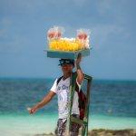Playa Langosta una de las mas bonitas de Cancun