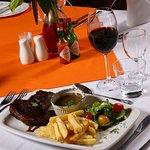 Island Safari Lodge - Dining