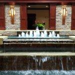 Photo de Doubletree by Hilton Hotel Detroit-Dearborn