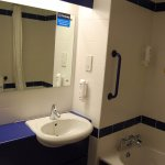 Photo de Travelodge Galway