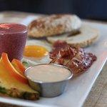 Le Subtil vous offre de délicieux déjeuners à tous les matins, et jusqu'à 14h la fin de semaine