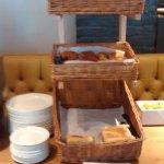 Photo de Premier Inn Sevenoaks / Maidstone Hotel