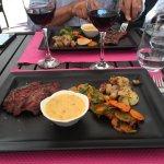 Plat du jour Bavette à la sauce Béarnaise et petits légumes