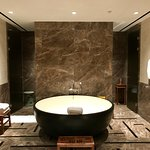What an amazing tub