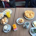 Photo de Panaderia Y Confiteria El Arbol Real