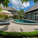 2nd pool pool area