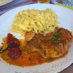 Poulet sauce basquaise