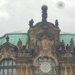 Uhr mit Porzellanglocken
