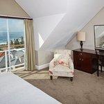 Foto de Bantry Bay Suite Hotel