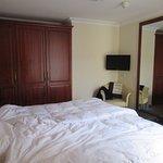 Bedroom room 501