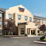 Exterior view of the Fairfield Inn & Suites Hartford Manchester