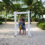 Photo de Coconut Court Beach Hotel