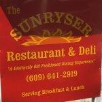 Sunryser Country Store & Deli Foto