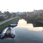 Foto scattata durante una passeggiata in Grou, una città costruita sui canali e molto caratteris