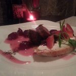 A combination of Rose wine with duck fillets and bruschetti with mascarpone.