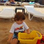 Oğlumuz sahilde