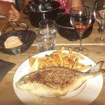 Daurade frite fraîche et moules marinière servi dans le menu à 16€ entrée plat