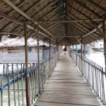 The wooden walkway to the kelong
