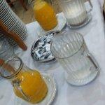 jugo de naranja exprimido. Suma mucho eso