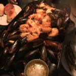 Garlic Mussels and Shrimp