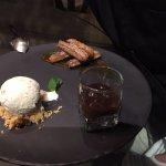 Churros conpure de calabaza y helado de canela