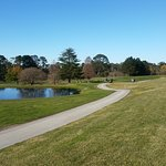 Modern upmarket resort overlooking testing 18 hole golf course only 90 minutes from Sydney in th