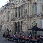 Sur la place à Angers