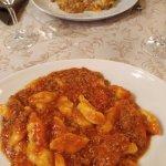 Gnocchi al ragù y lasagna