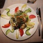 COLMAR. Restaurant 'Aux Trois Poissons'. Salade du Pêcheur. Quai de la Poissonnerie au décor sob