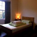 Twin Room en-suite - Garden and Mountain Views