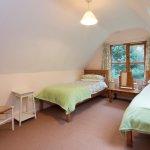 Crownwheel Cottage - upstairs twin bedroom