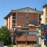 Photo de Hotel Joli