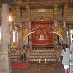 Foto de Templo del Diente de Buda (Sri Dalada Maligawa