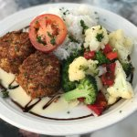 Crab cakes with rice and veggies