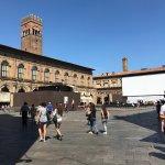 Photo de Piazza Maggiore