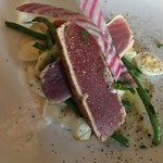 Tuna pan-seared, haricot vert, smashed potato, radish and quail egg paired with lovely Sancerre