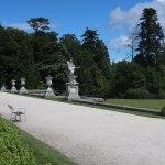 Foto de Powerscourt Gardens and House