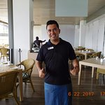 Hugo Gonzalez - Awesome waiter !!