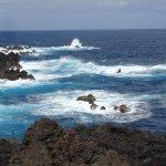 vue de la promenade longeant le bord de mer
