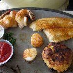 Broiled Seafood Combination (flounder, crab cake, shrimp & scallops - minus the one already cons