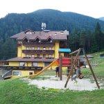Photo de Family & Wellness Hotel Shandranj