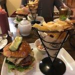 Photo de Fuego, Burgers and Barbecue Restaurant