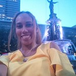 8 o'clock @ night by the fountain
